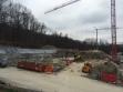 Baustelle mit einer Baugrubensicherung durch eine Nagelwand